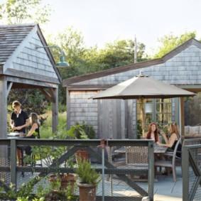Дачный комплекс с беседкой и летней кухней