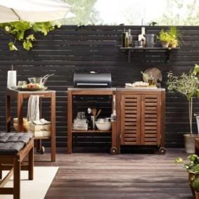 Садовая мебель из недорогого дерева