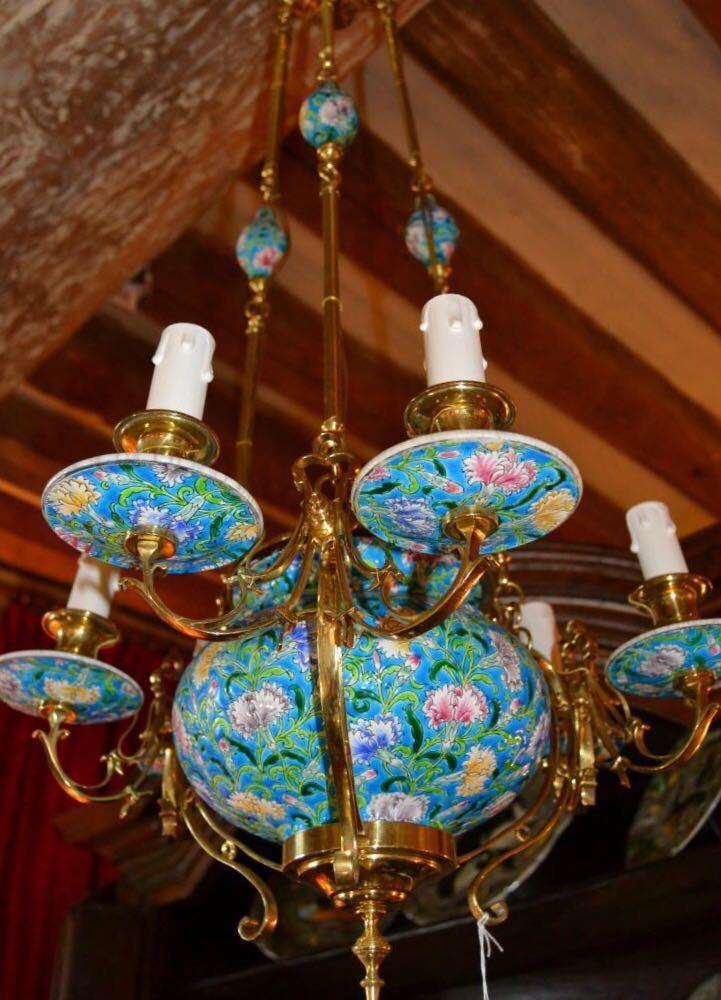 Антикварная люстра в азиатском стиле