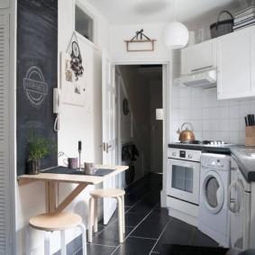 маленькая кухня с кухонным столом дизайн фото