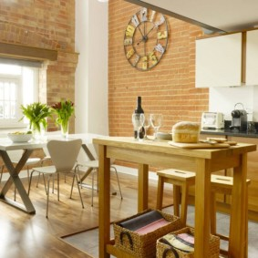 маленькая кухня с кухонным столом фото дизайн