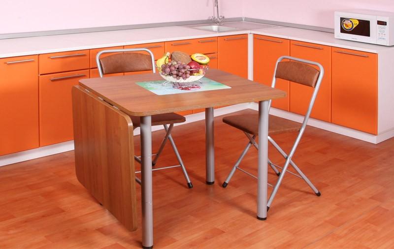 маленькая кухня с кухонным столом фото оформление