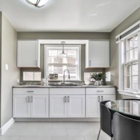 маленькая кухня с кухонным столом фото вариантов