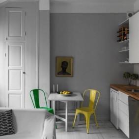 маленькая кухня с кухонным столом фото виды
