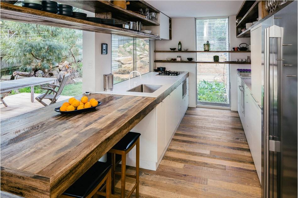 маленькая кухня с кухонным столом идеи фото