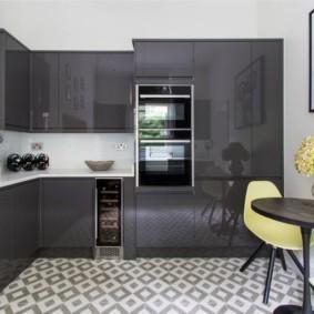 маленькая кухня с кухонным столом идеи оформления