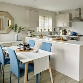 маленькая кухня с кухонным столоммаленькая кухня с кухонным столом идеи виды