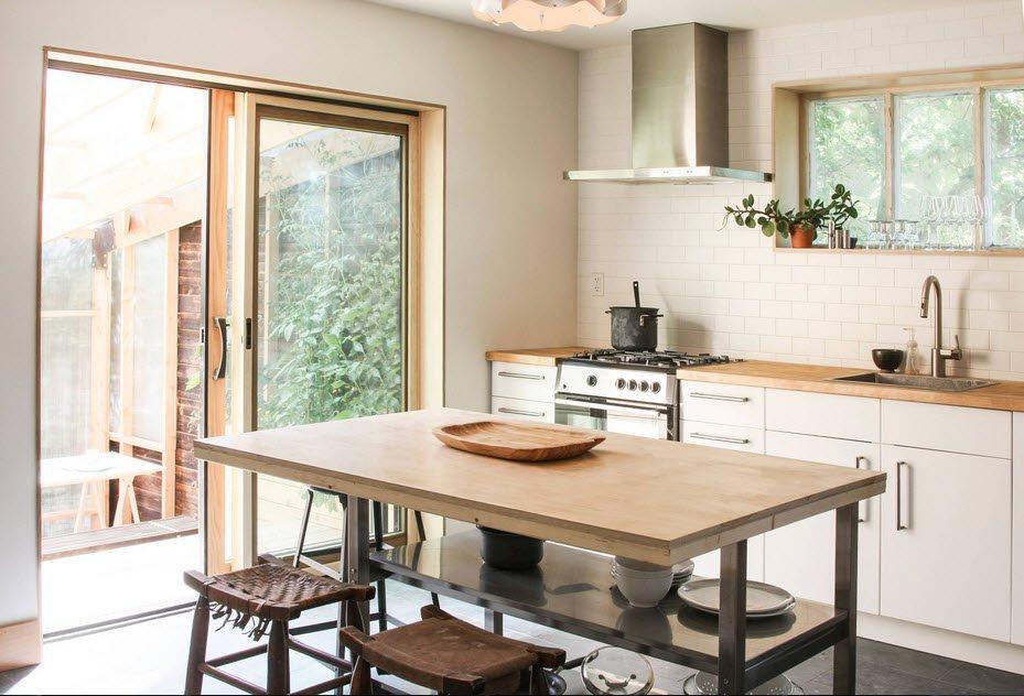 маленькая кухня с кухонным столом интерьер идеи