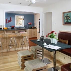 маленькая кухня с кухонным столом оформление
