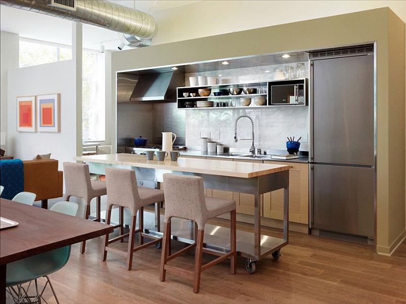 маленькая кухня с кухонным столом оформление фото