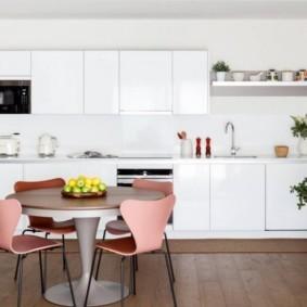 маленькая кухня с кухонным столом дизайн