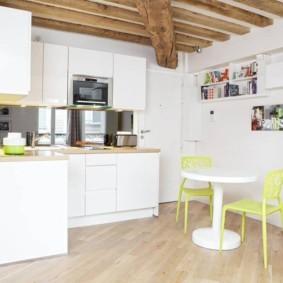 маленькая кухня с кухонным столом фото дизайна