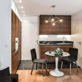 маленькая кухня с кухонным столом фото идеи