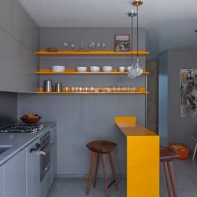 маленькая кухня с кухонным столом идеи интерьер