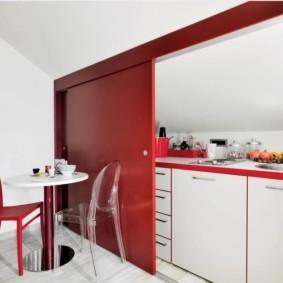 маленькая кухня с кухонным столом интерьер фото