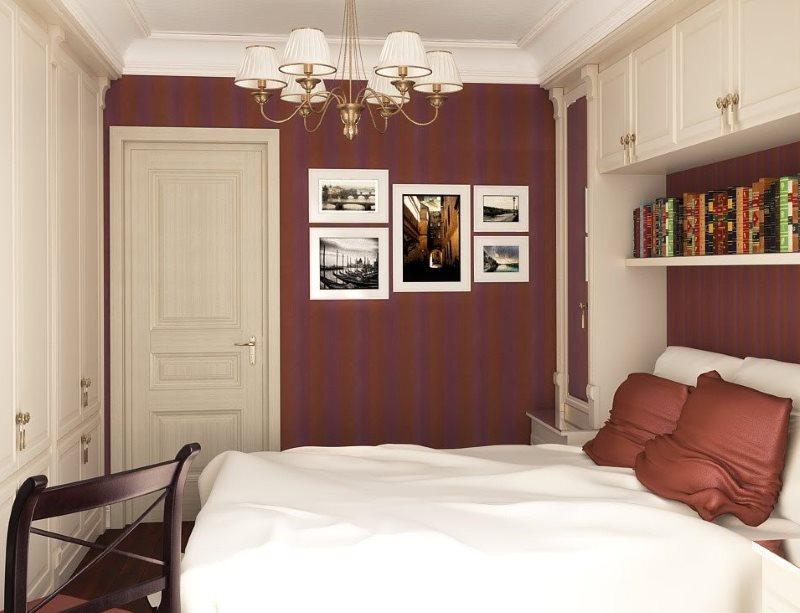 Декор картинами стены в маленькой спальне