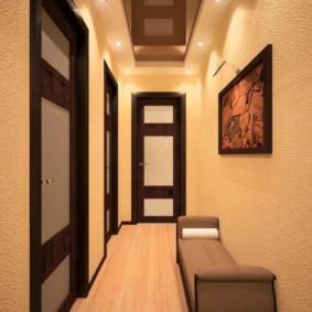 узкий и длинный коридор в квартире