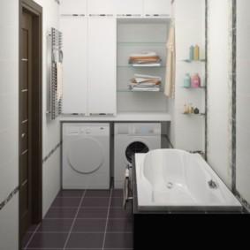 Стеклянные полки в шкафу для полотенец