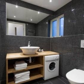 Мелкая мозаичная плитка в отделке ванной
