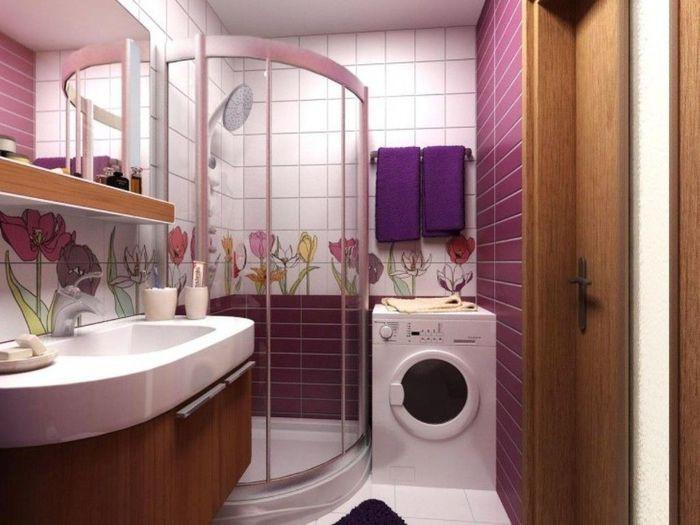 Стиральная машина в интерьере ванной с душем