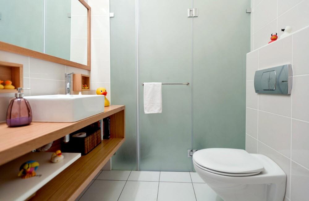 Матовые стекла на душевой кабинке в ванной комнате