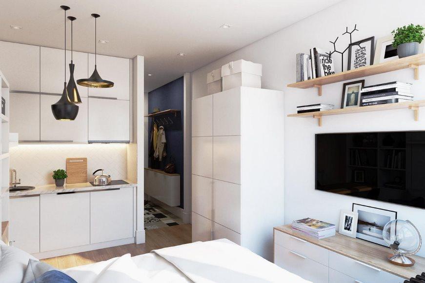 Светлая мебель в малогабаритной квартире-студии