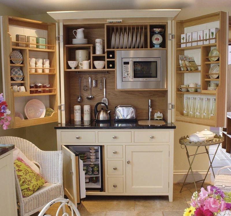 Мини-кухня со встроенной бытовой техникой