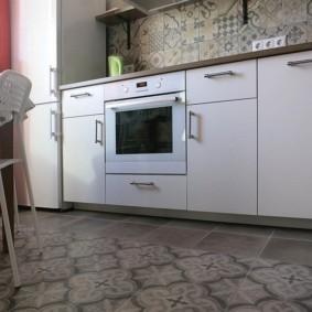 напольная плитка для кухни и коридора фото дизайна