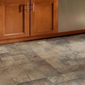 напольная плитка для кухни и коридора фото интерьера