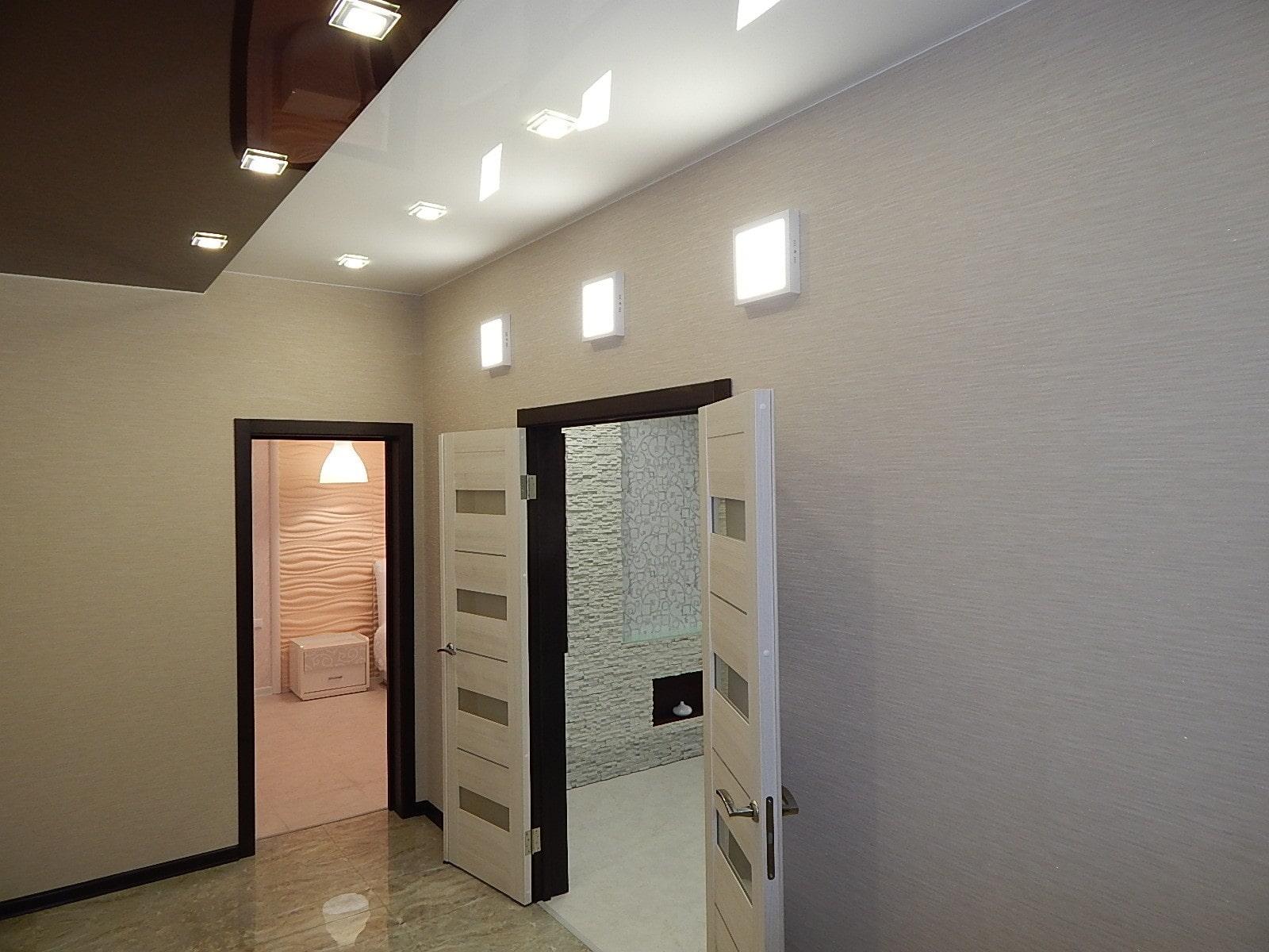 натяжной потолок в коридоре дизайн