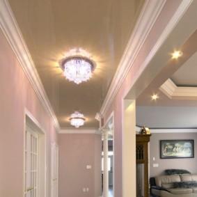 натяжной потолок в коридоре фото декор