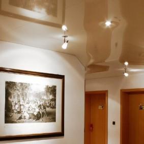 натяжной потолок в коридоре идеи
