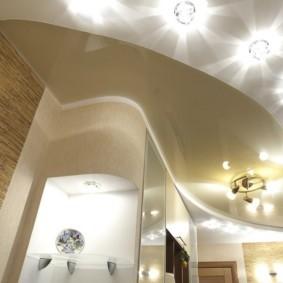 натяжной потолок в коридоре идеи варианты