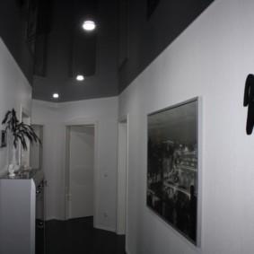 натяжной потолок в коридоре варианты фото