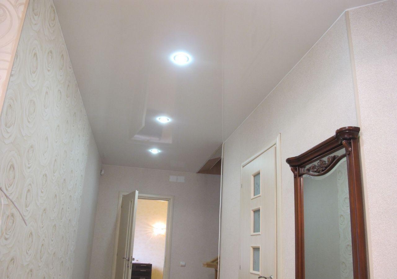 натяжной потолок в коридоре виды дизайна