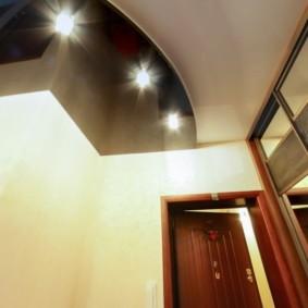 натяжной потолок в коридоре фото интерьер
