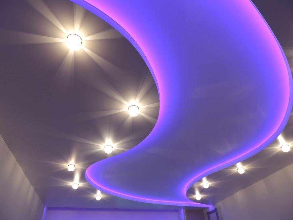 натяжной потолок в коридоре идеи виды