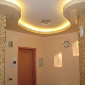 натяжной потолок в коридоре интерьер идеи