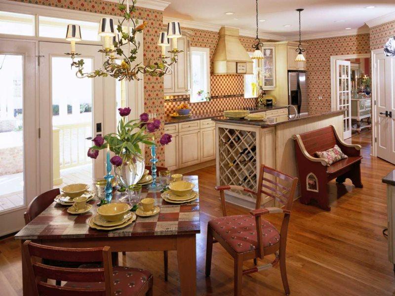 Обеденная группа из дерева на кухне в стиле кантри