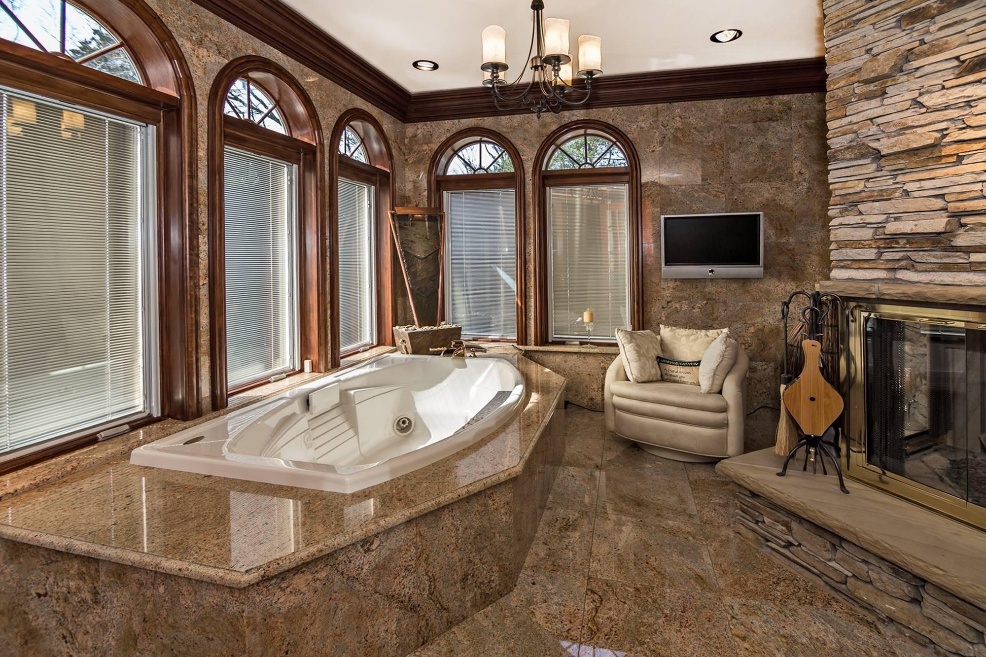 отделка гранитом в ванной