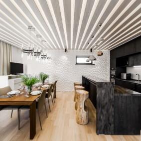 отделка потолка в квартире оформление идеи