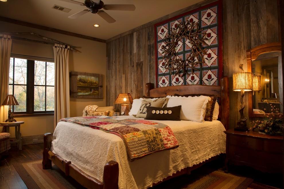 Светлое покрывало на кровати в спальне кантри