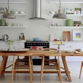 полки на кухне вместо навесных шкафов фото декор