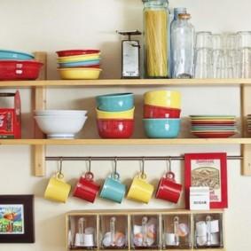 полки на кухне вместо навесных шкафов фото видов