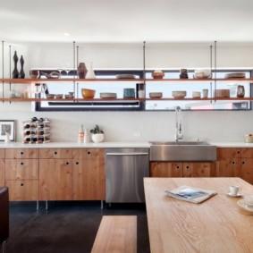 полки на кухне вместо навесных шкафов оформление идеи