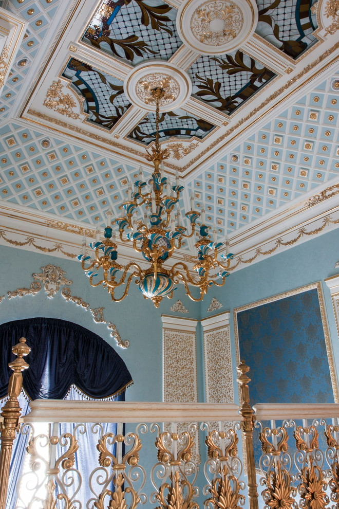 Фрески на потолке спальни в стиле барокко