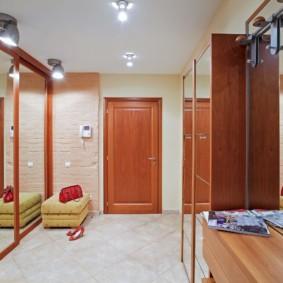 прихожая в квартире в панельном доме фото вариантов