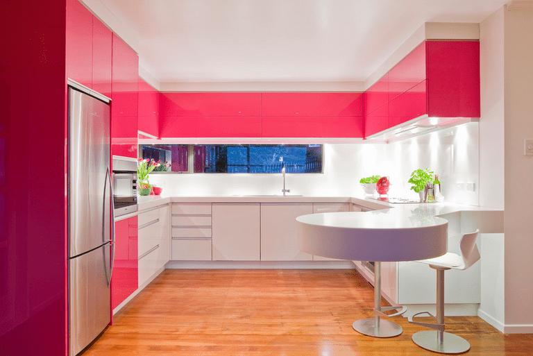 расстановка мебели и техники на кухне фото идеи