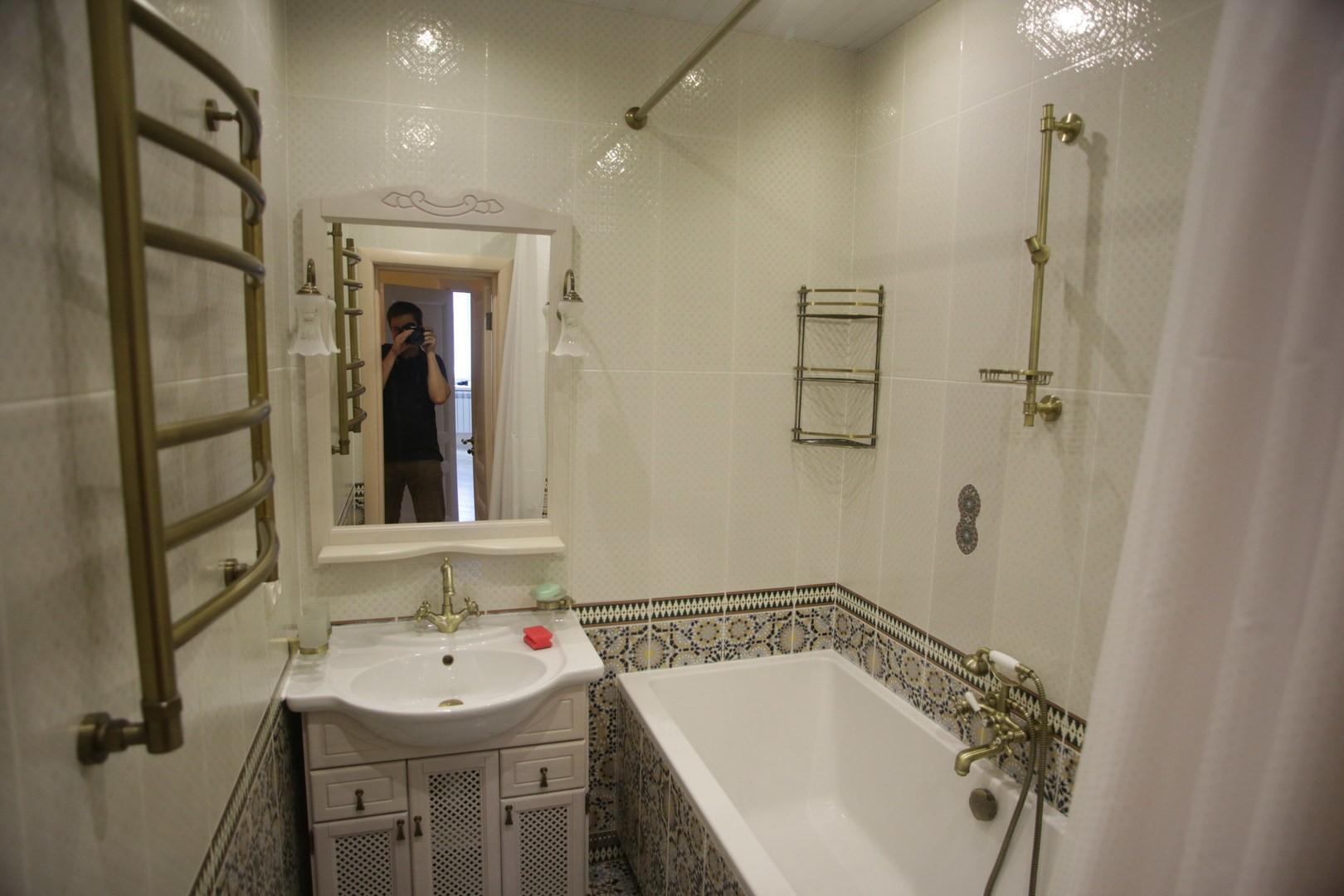 раздельная ванная комната декор
