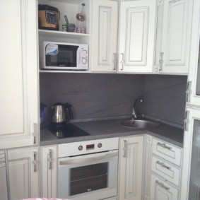 размещение микроволновки на кухне